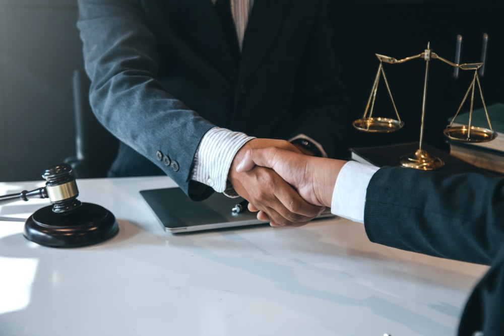 Tips for Hiring the Right Lawyer for You